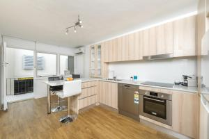 Modern Great value 2 bedroom with Netflix, Apartmány  Brisbane - big - 6