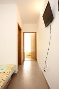 Apartment Poljica 10010a, Apartmány  Marina - big - 8