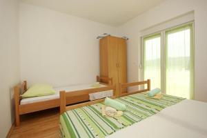 Apartment Poljica 10010a, Apartments  Marina - big - 4
