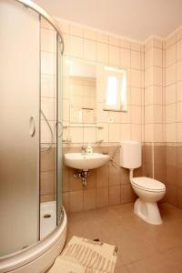 Apartment Poljica 10010c, Apartmány  Marina - big - 8