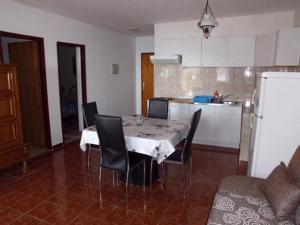 Apartment Uvala Dragisina 12150b, Apartmanok  Pristanišće - big - 5