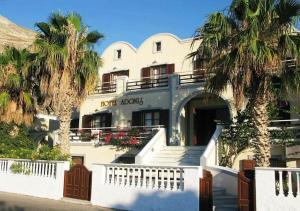 Отель Adonis (Камари)