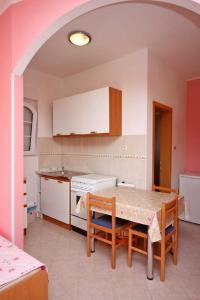 Studio Brodarica 4835a, Apartmanok  Brodarica - big - 11