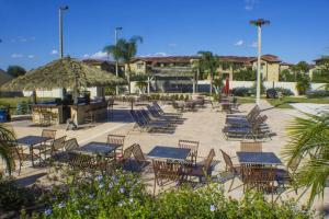 Laurie's Regal Palms Townhouse** Townhouse, Holiday homes  Davenport - big - 16