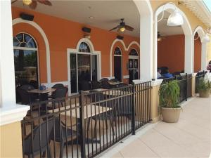 Laurie's Regal Palms Townhouse** Townhouse, Holiday homes  Davenport - big - 9