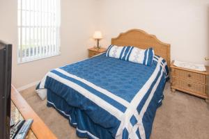 Laurie's Regal Palms Townhouse** Townhouse, Holiday homes  Davenport - big - 23