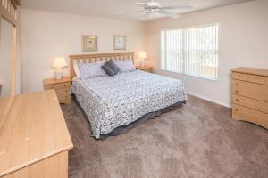 Laurie's Regal Palms Townhouse** Townhouse, Holiday homes  Davenport - big - 26