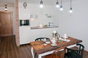 Anita Home, Apartmány  Gyenesdiás - big - 8