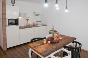 Anita Home, Apartmány  Gyenesdiás - big - 6