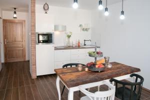 Anita Home, Apartmány  Gyenesdiás - big - 16