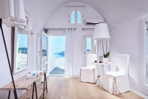 Kirini Santorini, The Leading Hotels of the World (Oia)