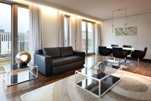 Family Room (3 Adults)