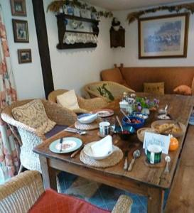 Yew Tree Cottage B&B, Bed & Breakfast  Turkdean - big - 17