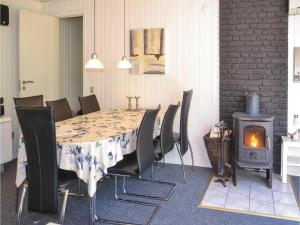Three-Bedroom Holiday Home in Norre Nebel, Holiday homes  Nørre Nebel - big - 6