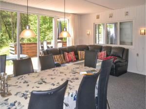 Three-Bedroom Holiday Home in Norre Nebel, Holiday homes  Nørre Nebel - big - 16