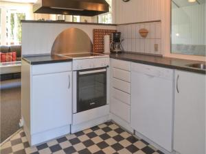 Three-Bedroom Holiday Home in Norre Nebel, Holiday homes  Nørre Nebel - big - 15