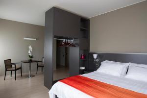 Zara Rooms & Suites
