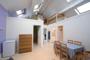 Grand Apartments - Wimbledon