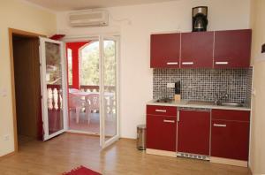Apartment Vinisce 4886b, Ferienwohnungen  Vinišće - big - 12