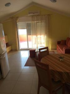 Apartment Slatine 11126a, Apartmány  Slatine - big - 4
