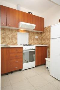 Apartment Scedro - Uvala Karkavac 8801c, Apartmány  Jelsa - big - 11