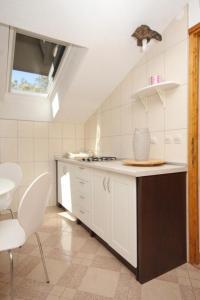 Apartment Scedro - Uvala Karkavac 8801b, Apartments  Jelsa - big - 2