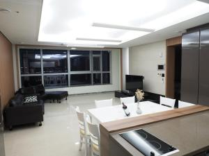 Cozy House, Apartments  Busan - big - 6