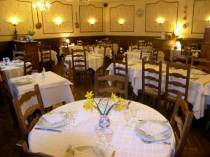 Hôtel Restaurant des Voyageurs, Hotely  Plonéour-Lanvern - big - 16