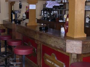 Hôtel Restaurant des Voyageurs, Hotely  Plonéour-Lanvern - big - 40