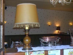 Hôtel Restaurant des Voyageurs, Hotely  Plonéour-Lanvern - big - 18