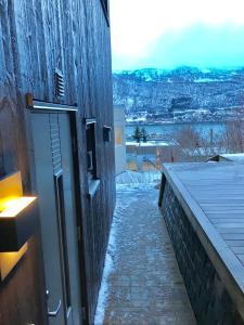 Arctic Comfort Central Flat, Appartamenti  Tromsø - big - 18