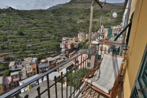 Radici Sea View Apartment with Balcony