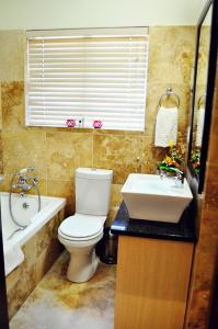Supertubes Guesthouse, Penziony  Jeffreys Bay - big - 37