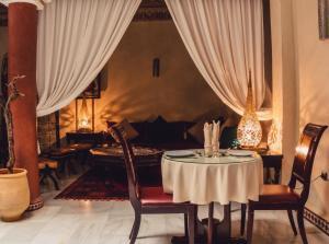 Riad Golf Stinia, Bed & Breakfasts  Meknès - big - 50