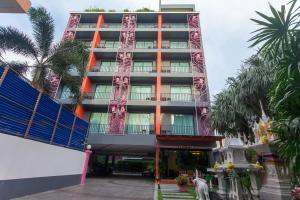 Baannilrath Hotel