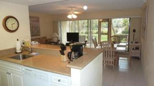 514F, Condo at Sarasota, with Pool View, Ferienhäuser  Siesta Key - big - 14