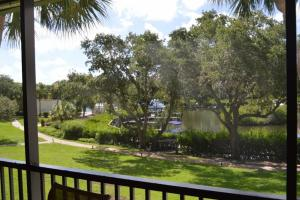 724F, Condo at Sarasota, with Pool View, Дома для отпуска  Сиеста-Ки - big - 19