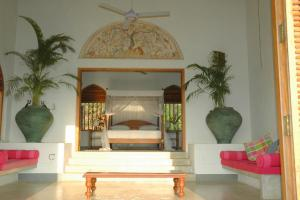 Khomba Beach House