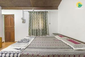 Cosy cottage stay for a family, 450 m from Vagator beach, by GuestHouser