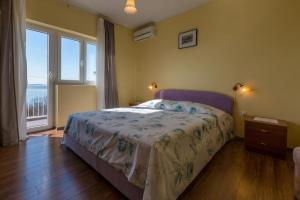 Apartment Crikvenica 13450a