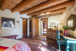 2 Bedroom - 5 Min. Walk to Canyon Rd. - Cimarron Cabana, Holiday homes  Santa Fe - big - 28