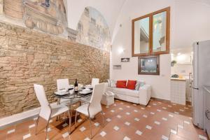 Santo Spirito Frescos apartment, Apartmanok  Firenze - big - 2