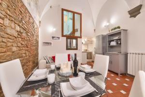 Santo Spirito Frescos apartment, Apartmanok  Firenze - big - 10