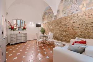 Santo Spirito Frescos apartment, Ferienwohnungen  Florenz - big - 12