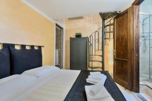 Santo Spirito Frescos apartment, Apartmanok  Firenze - big - 12