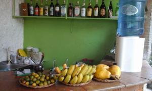 Guanna's Place Room and Resto Bar, Inns  Malapascua Island - big - 78
