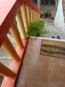 Guanna's Place Room and Resto Bar, Inns  Malapascua Island - big - 19