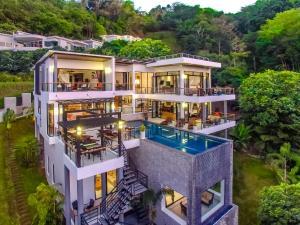 """Grand Villa """"Luxury Time"""" Surin"""