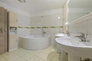 Apartments Andela, Apartmanok  Tribunj - big - 23