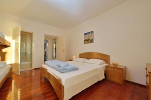Villa Jurac, Apartmány  Povljana - big - 76